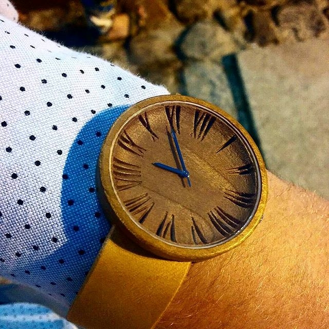 The Glamarus- ovi wood watch